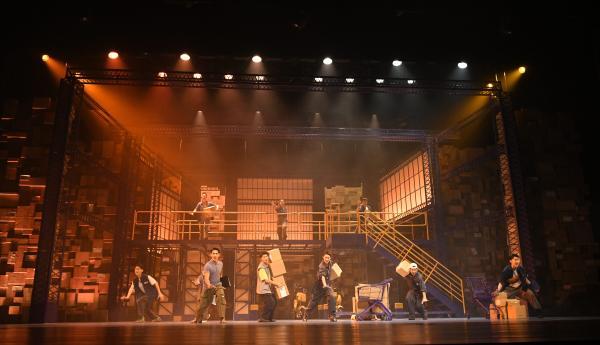 音乐剧《使命必达》讲述快递小哥的斜杠青年梦