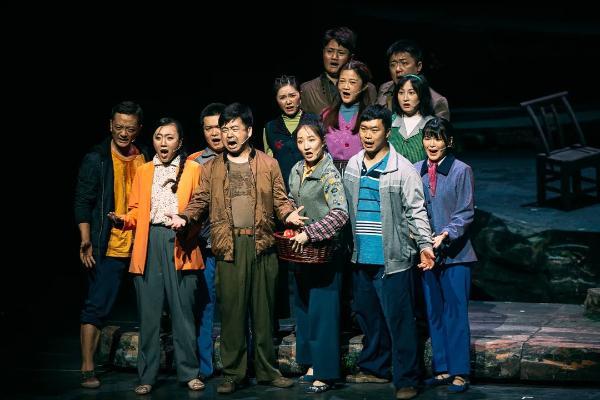 原创话剧《高山之巅》亮相湖南省庆祝中国共产党成立100周年优秀舞台艺术作品展演