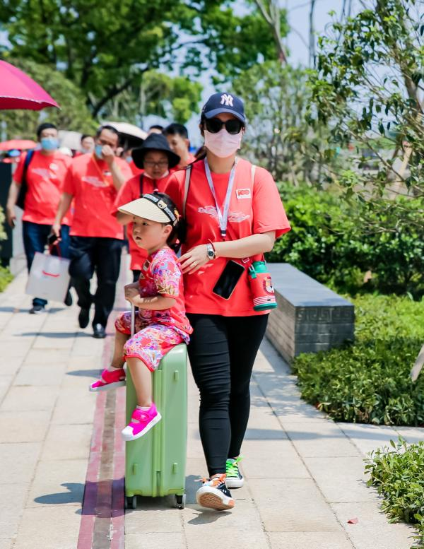 上海一嘉兴红色旅游列车:重走一大路