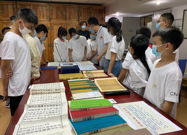 北京西城区图书馆为外来务工人员子弟c