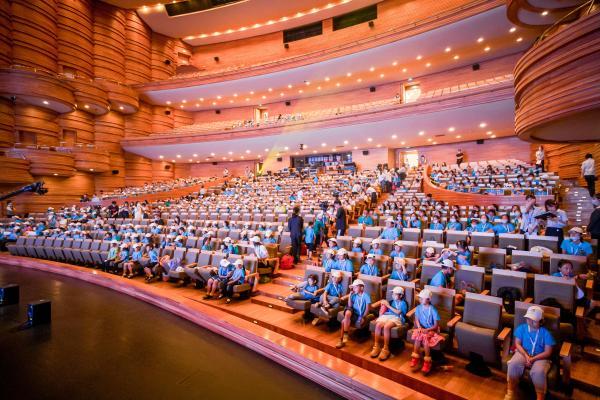 精彩!超3000人在上海保利大剧院唱响百年赞歌