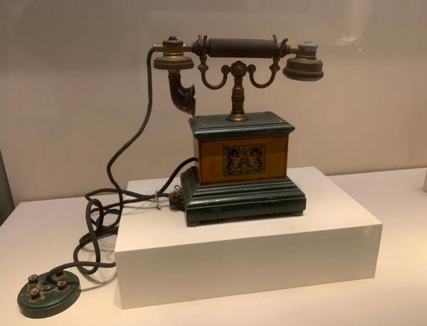 看见文物 | 你知道中国最早的电话机长啥样吗?