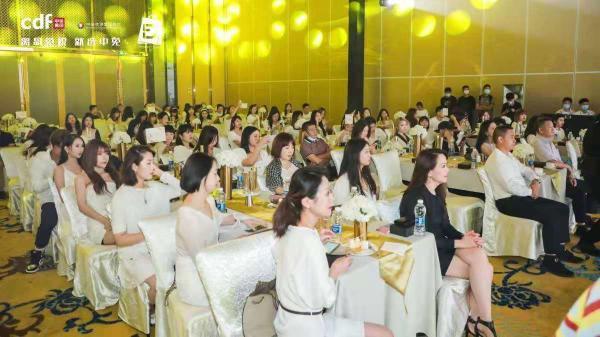 海南离岛免税购物节城市推广活动走进武汉