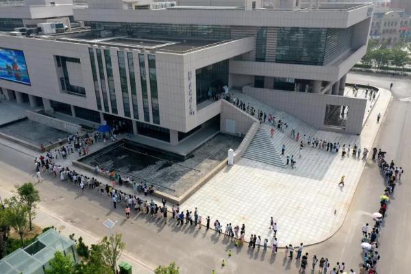 """安徽蒙城图书馆暑期人气""""爆棚"""""""