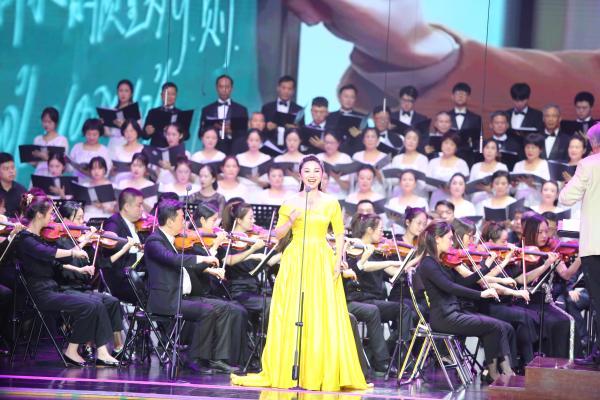 深圳龙岗举办庆祝中国共产党成立100周年文艺演出