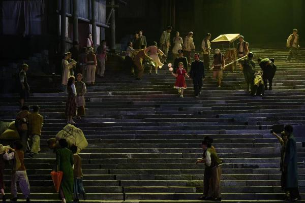 历史舞台剧《重庆·1949》开演