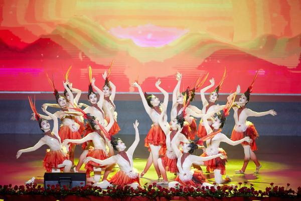 """赓续红色血脉 奋斗伟大时代 ——""""永远跟党走""""湖南省怀化市首届艺术节献礼建党百年"""