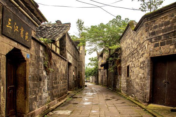 翠屏冠英街,历史的沉淀与文化的嬗变