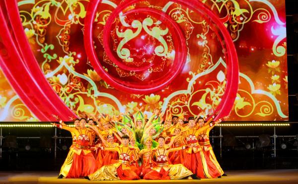 《火红的七月》歌舞专场献礼建党百年