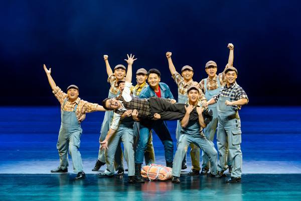100场!广西首部工业题材音乐剧《致青春》(剧场版)将开启全国巡演