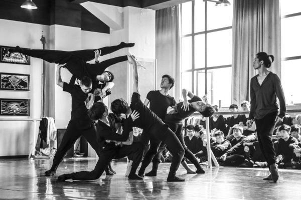 纪念辛亥革命110周年 武汉歌舞剧院复排舞剧《江湖》