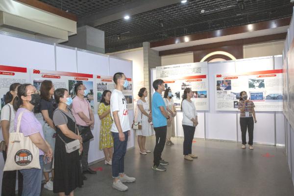 巩固党史学习教育成果,济南市文化馆参观主题展览