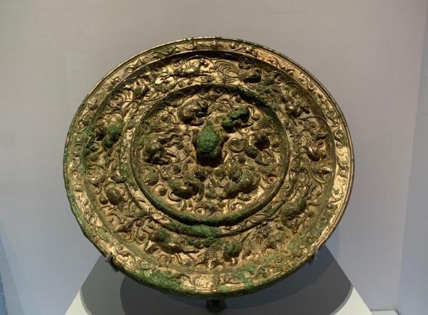 看见文物 | 充满神秘色彩的唐代海兽葡萄镜