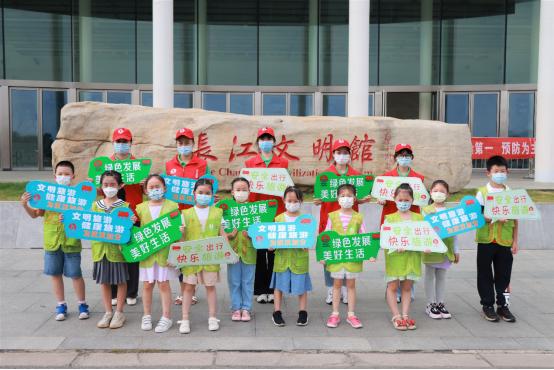 """武汉文旅志愿者开展拥军优属志愿活动庆""""八一"""""""