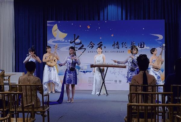 """穿着汉服吟诗乞巧,""""七夕今夕""""深圳盐田有约"""