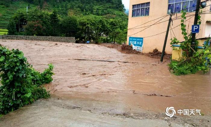 强降水致云南省盐津县兴隆乡出现山洪灾害