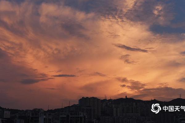 重庆涪陵现壮美火烧云