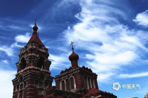 哈尔滨上空连续数日出现美轮美奂云彩景观