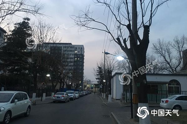 今天北京有晨雾南部有轻度霾 气温回升冰面变薄勿滑野...