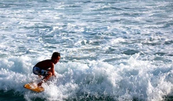 夏威夷大岛冲浪攻略,体验不一样的激情运动
