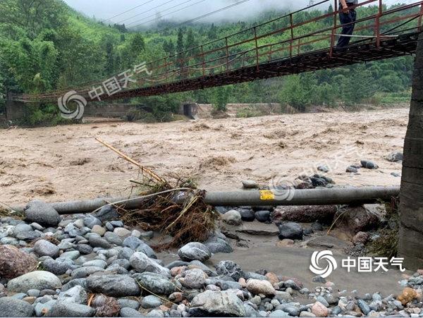 """大暴雨!四川强降雨仍""""在线"""" 需警惕洪水及地质灾害-资讯-中国天气网"""