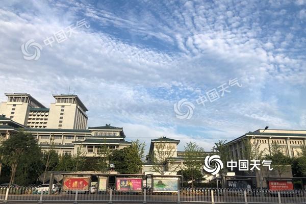 北京今天高温持续夜间西部北部有雷雨 明天气温下滑
