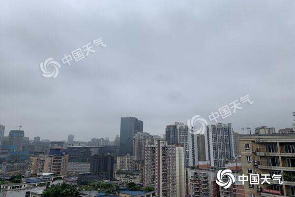新一轮强降雨来袭局地有大暴雨 江南华南高温不断