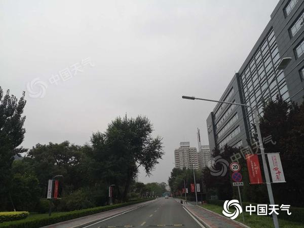 周末两天北京仍将有雷雨 局地短时雨强较大伴有风雹