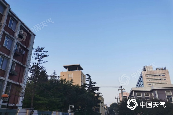 今天北京秋高气爽适宜外出 明天秋雨将至最高气温下降至22℃