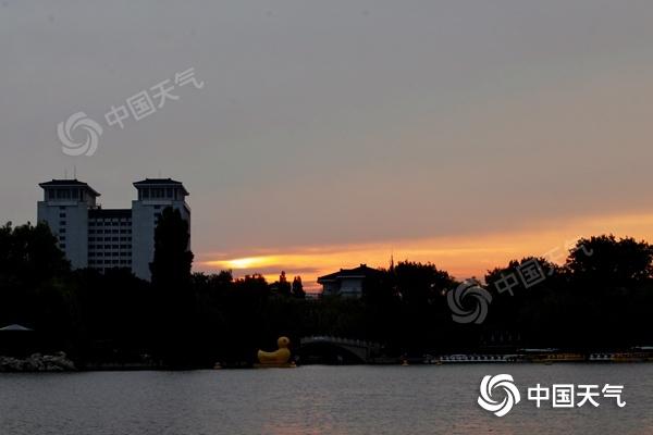 北京今明天天晴气爽风力较大 山区仍有雨水谨防地质灾害