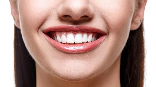 送你一口大白牙,自信的微笑!