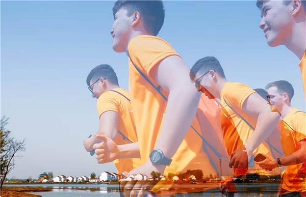 体育+旅游 灌云国际半程马拉松 共享潮河湾金色