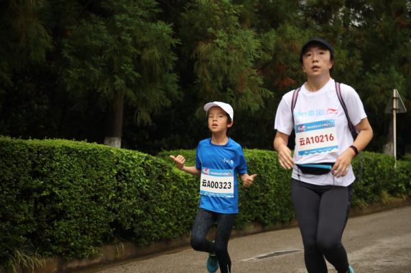 李宁用心趣跑生活节登陆昆明!开启春城昆明跑者图鉴