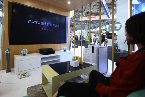 PPTV激光电视闪耀CES Asia,升级硬屏更配炫酷世界杯