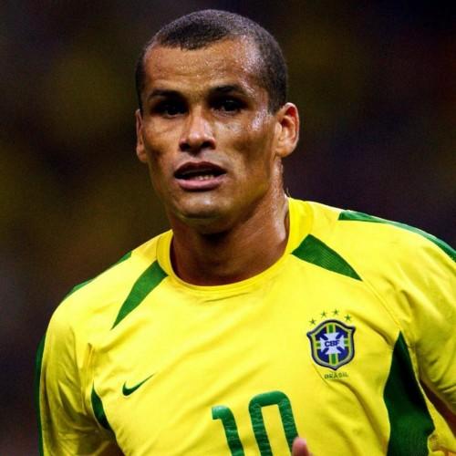 世界杯掀起足球效应 里瓦尔多来华参与国际球迷节