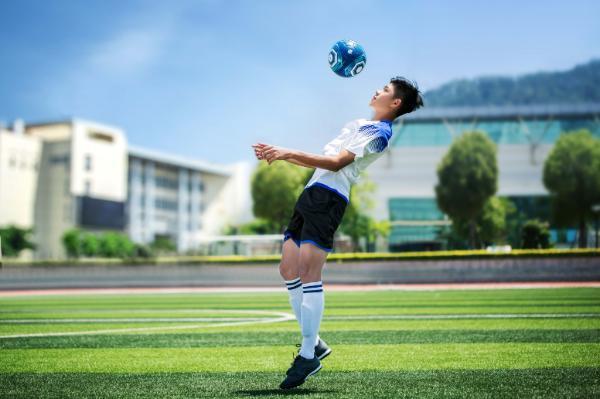 """有""""芯""""的茵战智能足球!小米有品众筹上架"""