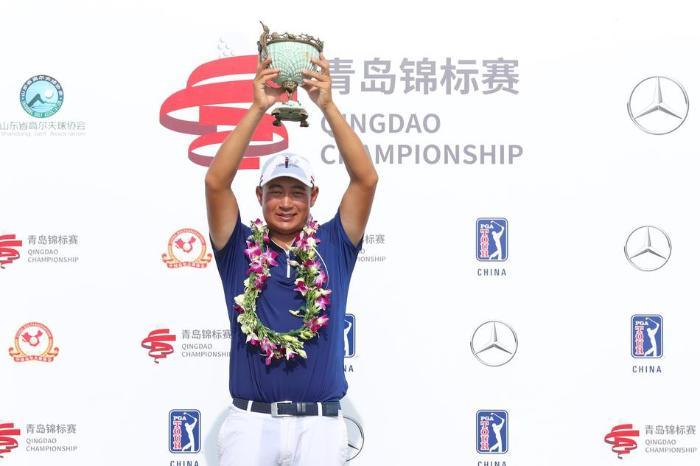 比音勒芬祝贺国家队队员袁也淳 夺得美巡中国赛青岛站冠军