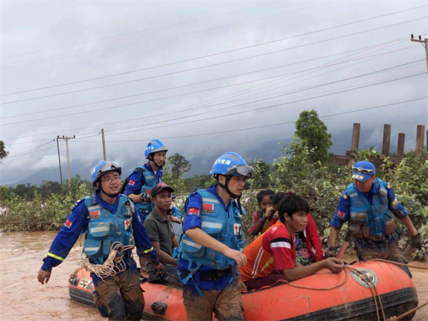 海能达协助蓝天救援队开展老挝溃坝事故人道救援