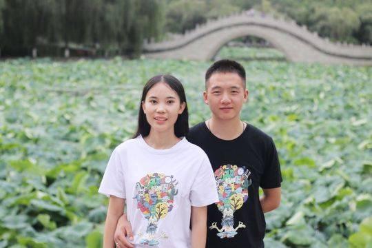 红花郎·幸福2018丨超浪漫!毕业典礼上他惊喜现身上演求婚戏码