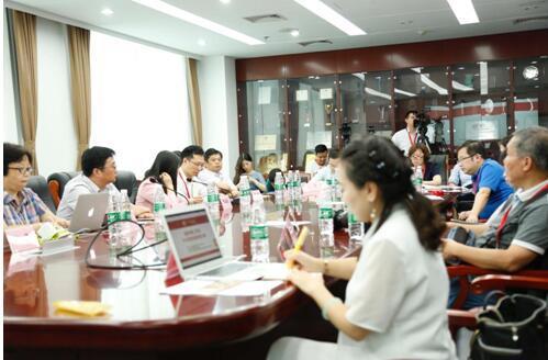 《双创时代,成就中国青少年创客》的主题致辞,他指出,置身于中国的图片