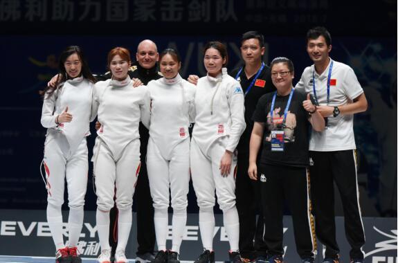 击剑世锦赛中国女重队获团体铜牌