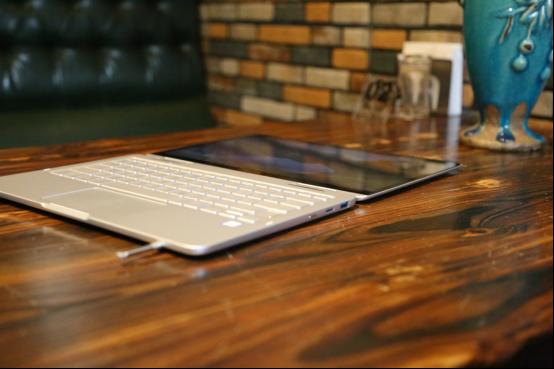 三星星曜Pen笔记本评测:轻薄有型,开创商务办公新时代