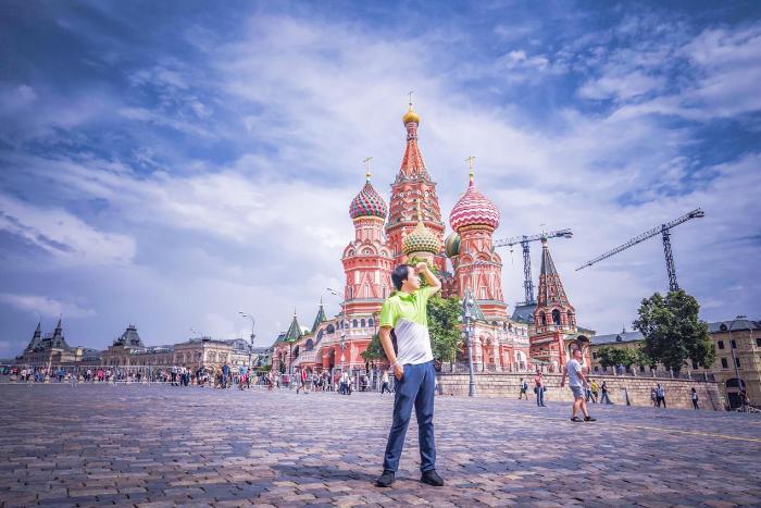大热世界杯 LafumaX途牛带你玩转俄罗斯看球VS旅行