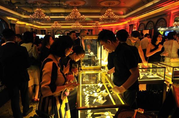 浮古钟表珠宝:用金与钻镌刻时间传奇