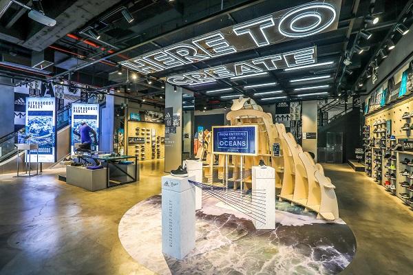 由我创造 阿迪达斯沈阳中街迷你品牌中心迎来开业一周年庆典