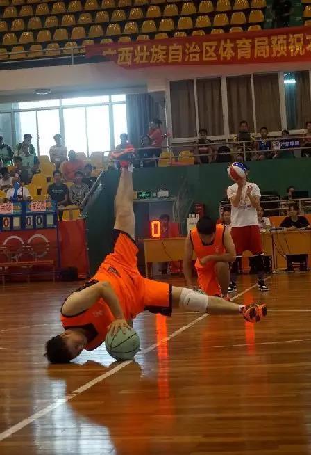 庆祝广西壮族自治区成立60周年2018年北部湾快乐篮球联赛热烈开赛