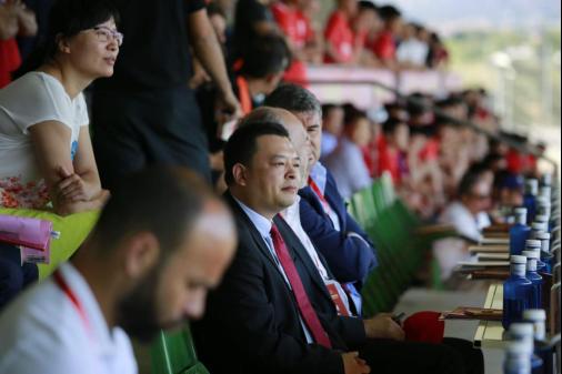 中国驻西班牙大使呂凡先生为恒大杯国际冠军赛开幕