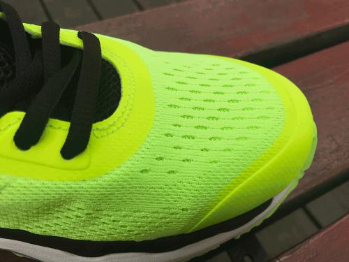 跑友新神器,咕咚智能跑鞋21K超轻款开箱体验
