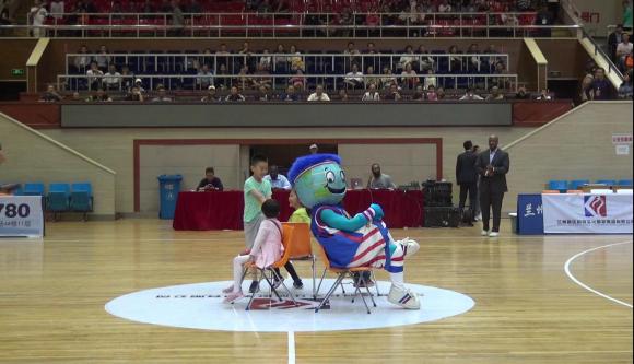 美国哈林花式篮球队点燃兰州球迷激情