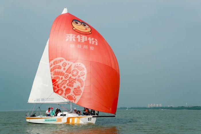 第七届全国商学院帆船赛 复旦大学EMBA来伊份帆船队斩获冠军
